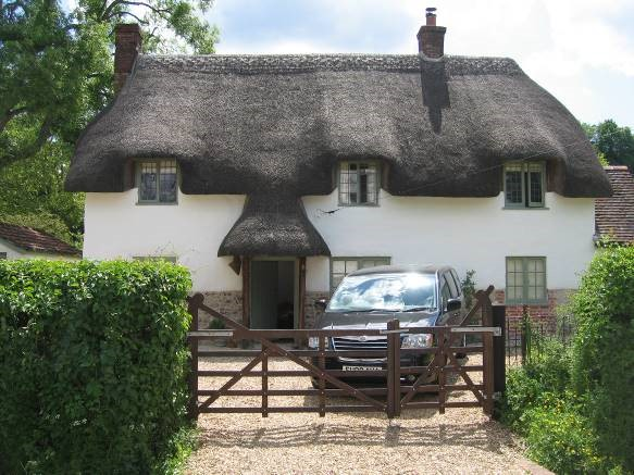 Cob cottage lime render